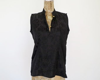 CHINATOWN // black silk sleeveless cheongsam 90s blouse S / M / L
