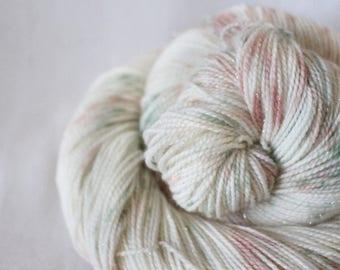 Gather Ye Rosebuds - Magpie -  75/20/5 superwash merino/ nylon/ gold stellina sock yarn