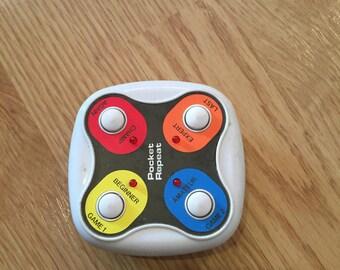 Vintage Electronic Pocket Repeat Radio Shack Simon Game Toy Rare Handheld Game