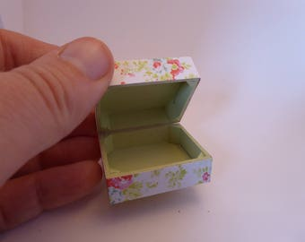 Beautiful handmade miniature trunk/box - opening - floral design & pale green - for the 12th scale dolls house - pretty - shabby chic