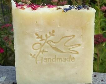 Geranium & Lavender cold process soap. Handmade Soap. Gift Soap. Natural Soap. Floral Soap. Spring Soap. Aromatherapy soap. UK Seller