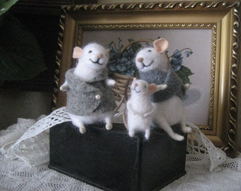 Wool Felted Mice family of three. Felted mice family mother, father and baby.