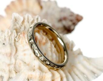 18k white gold fancy wedding band Flower of Love