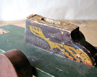 Antique Wooden Pull Toys, Old Toy Cars, Wooden Toy Parts, Wooden Car Toys, Vintage Toy Cars, Old Wood Toys, Antique Toy Car
