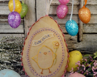 Easter Cute Chick embroidery PDF Pattern - stitchery primitive pillow pinkeep tag pincushion tuck daffodil