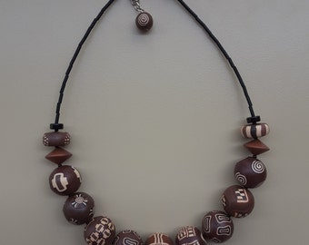 Brown balls necklace