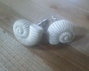 Sea Shell Knobs, Distressed White Nautical Handles, Ocean Dresser Drawer Pulls, Conch Shell Desk Cabinet Handles