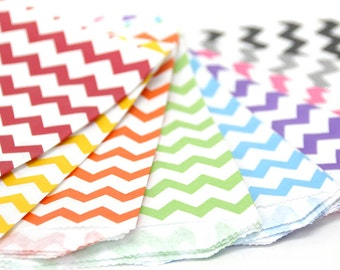 """25 Medium Chevron Paper Favor Bags or Gift Bags . Choose from 11 Colors . 5"""" x 7.5"""""""