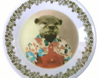 """Olivia the Otter Plate 10.25"""""""