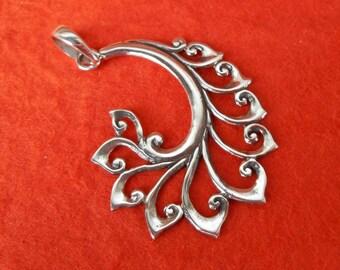 Bali Sterling Silver Pendant / Balinese handmade jewelry / Silver 925 / 1.5 inch long