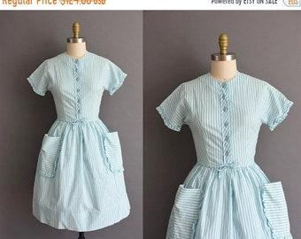 25% OFF SHOP SALE..//.. vintage 1950s icy blue cotton stripe full skirt dress Small vintage 1950s cotton stripe full skirt dress