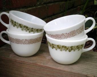 Vintage Pyrex Spring Blossom / Crazy Daisy / Woodland Flower Coffee Mug / Tea Cup - 1970s Vintage Milk Glass Retro Flower Mugs / Cups Gift