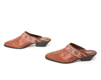 size 7 CLOGS brown leather 80s 90s STUDDED metal slip on MULES