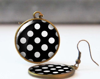 Black and white polka dot earrings, Rockabilly Jewelry, Round earrings, Resin Jewelry, Retro 50's earrings, 5006-24, Mother's day gift