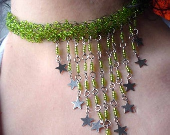 Green crocheted choker with metal stars - Statement Necklace - Wire Crochet - Seed Beads - Fashion Jewelry