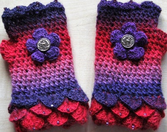 Crochet gloves. Fingerless gloves. Wrist warmers. Eye catching and pretty. Crocheted and beaded. Own design. OOAK. Unique. Lovely gift.