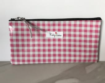 Long Oilcloth pouch / Zipper pouch / Pencil pouch / Oilcloth bag / Makeup brush pouch / Pink gingham