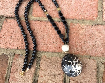 Black and White Sea shell necklace