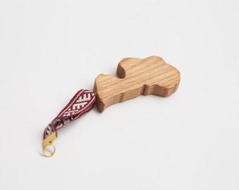 "Latvia souvenir from oak wood – ""mana Latvija"""