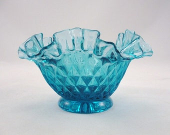Vintage blue bowl diamond cut ruffled edge starburst bottom candy dish