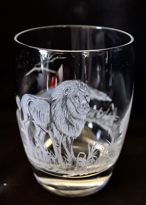 Hand Engraved double old fashion glass Lion, Lion, Engraved Glass, African Art, Crystal Glass Engraved, Etched Animal