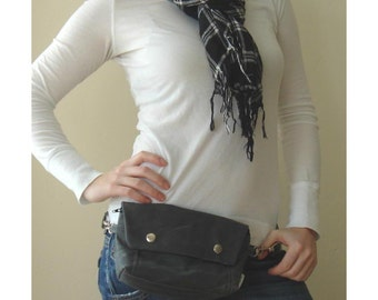 Large Convertible Hip Pouch - Waxed Canvas in Charcoal