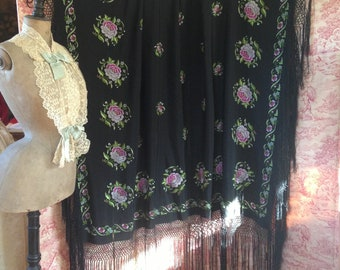 Beautiful 1920s fringed floral embroidered piano shawl~ gorgeous wearable textile
