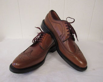 Vintage shoes, wing tips, brown shoes, 1960s shoes, oxford shoes, brown leather, size 11, NOS, NIB