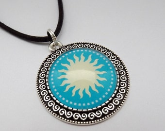 Mandala pendant Sun, Medallion 35 mm, chain turquoise cabochon jewelry, spiritual jewelry, chain leather strap