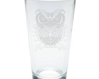 Trippy Owl Etched Pint Glass