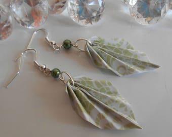 Origami leaf dark green pearl earrings