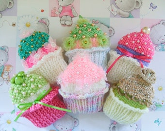 CUPCAKE BROOCHES pdf knitting pattern