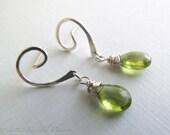 Peridot Earrings - silver...