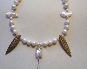 Weiße Perlenkette Hochzeit Halskette böhmische Hochzeit 10mm Perle 14 kt Gold einzigartige Aussagenhalskette