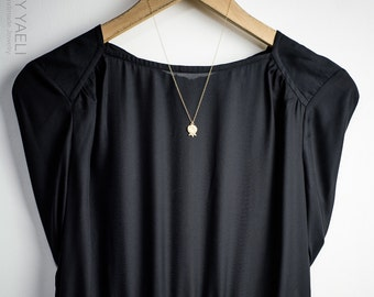 Gold necklace, gold pomegranate necklace, Gold Pomegranate, Pomegranate pendant, Gold Pomegranate charm, everyday necklace.