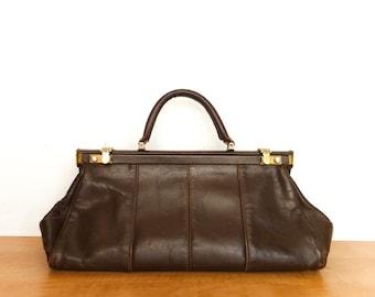 Vintage Leather Doctors Bag Top Handle Purse Handbag / Dark Brown / Metal Frame / Leather / 60s 70s