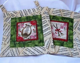 Music is in the air, harp and flute protect your hands in the kitchen, potholder for music fans