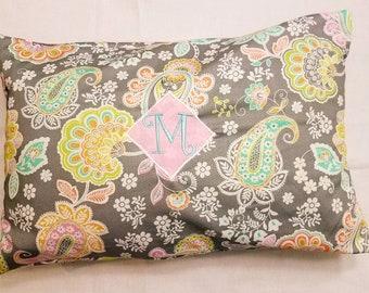 Pillowcase paisley pattern