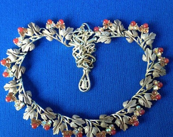 1950s Leaf & Berry Necklace