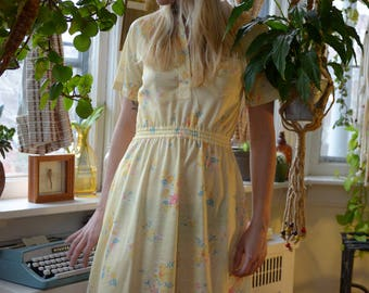 1960s Pale Yellow Floral Dress