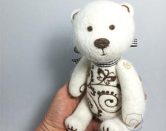 """Felt bear """"Sweet"""". Needle felt. 100% wool."""