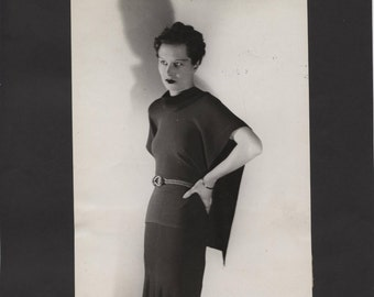 Vintage Black and White Wire Photo of Unknown Actress or Model Glamour Girl Seev Scans