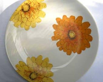Johnson of Australia Chrysanthemum Dinner Plate Vintage