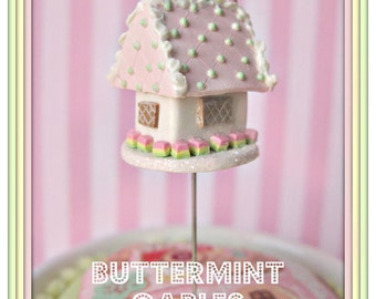 Buttermint Gables Gingerbread House Pin Topper
