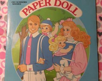 Golden Book / Heart & Family / Paper dolls