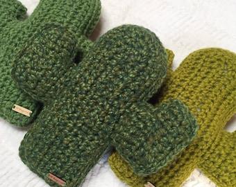 Crochet Cactus Pillow / Cozy Saguaro Cactus