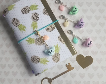 Polymer Clay Cat - zipper pull or planner charm