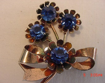 Vintage Sterling Silver With Gold Wash Overlay Blue Rhinestone Flower Brooch   16 - 428