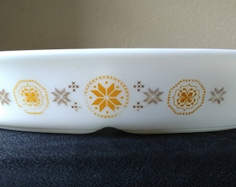 Pyrex Town and Country Divided Dish