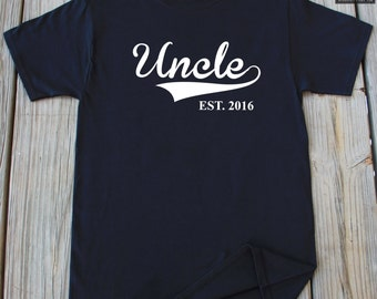 Uncle T-Shirt Cute Gift For Uncle New Uncle Fathers Day T-Shirt Gift For Uncle Personalized Any Year Christmas Gift Fathers Day Gift